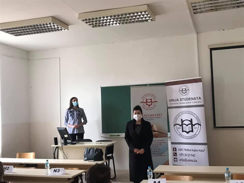 """Univerzitet """"Džemal Bijedić"""": Održan prvi dan Debatnog takmičenja 2021."""