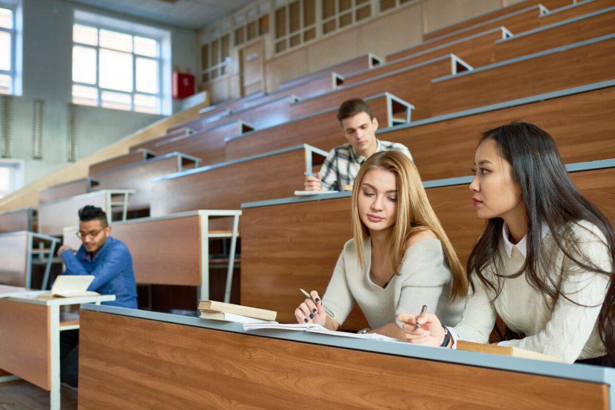 Pandemija dokrajčila studentski život? 'Nema kafa, nema druženja, a fakulteti su postali online kursevi'