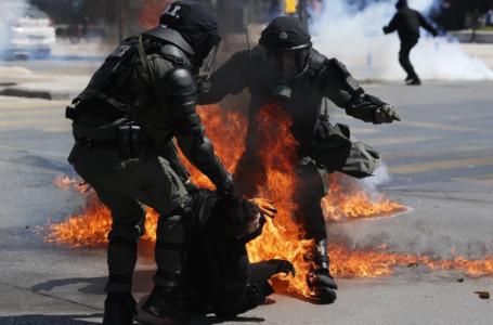 Eskalirali studentski protesti, sukob s policijom izmakao kontroli