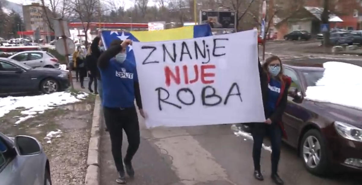 Održana protestna šetnja studenata u Tuzli: Obrazovanje je temelj društva