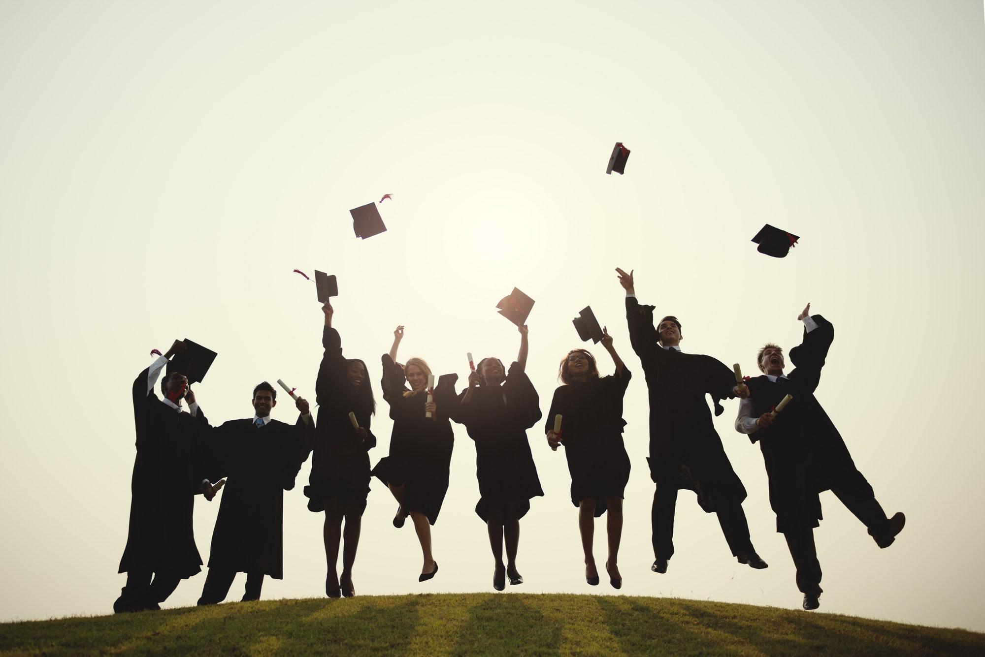 Pozor, apsolventi: Ovih 13 studentskih stvari i luksuza završit će kad napunite 23 godine i dobijete diplomu