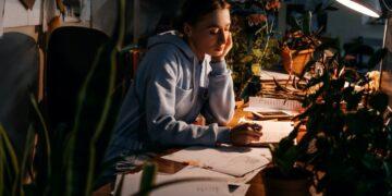 Worker burnout, hours overtime, emotional burnout, Mental health problem. Tired businesswoman