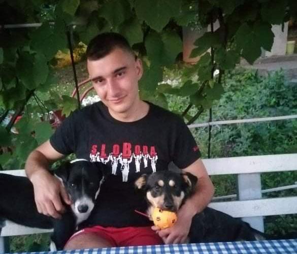 """Šnjufko i Jole su udomljeni psi, kako ih Zdravko Čajić zove """"psijatelji"""" FOTO: Privatna arhiva"""