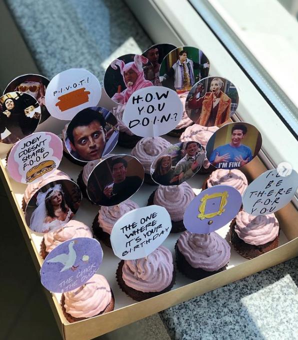 "Tematski ""Friends"" box kao poklon za rođendan / Foto: Instagram"