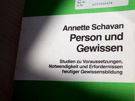 """""""Lovci na plagijate"""" u Njemačkoj: I doktorat ministarke obrazovanja pod lupom"""