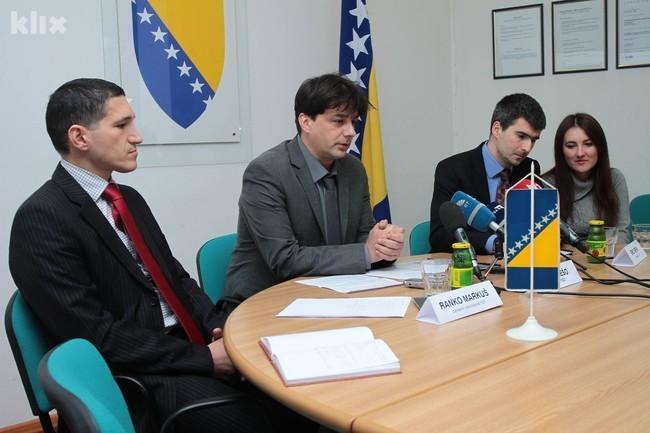 Detalj sa press konferencije (Foto: Feđa Krvavac/Klix.ba)