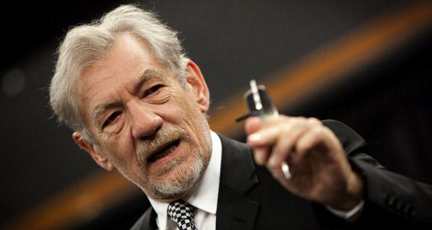 """""""Gandalf"""" govorom motivisao učenike i izazvao oduševljenje [VIDEO]"""