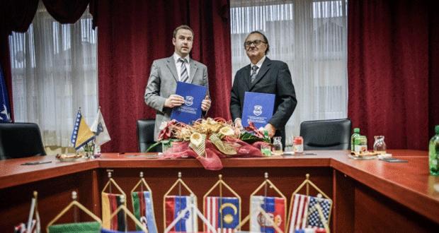 Pravni fakultet UNSA i Centar za društvena istraživanja IBU potpisali Sporazum o saradnji