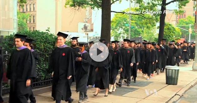 VOA: Studenti u SAD se dave u dugovima [VIDEO]