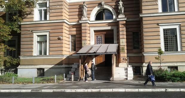 UNSA: Skela na ulazu u Pravni fakultet i Rektorat ostaje do daljnjeg