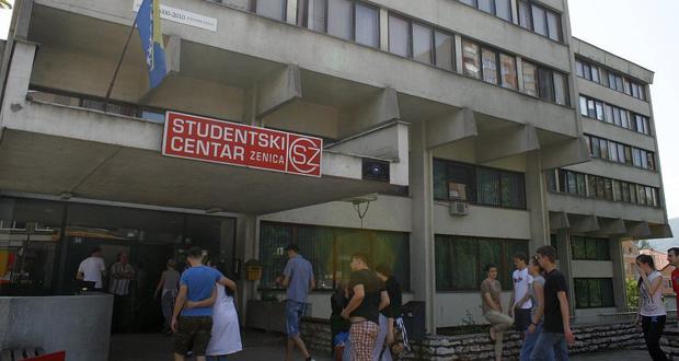 ZDK: Studenti se u suzama oprostili od mještana koji su proteklih dana živjeli u njihovim sobama