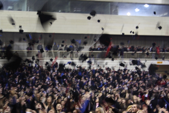 UNTZ: Uručene diplome diplomcima i magistrima Univerziteta