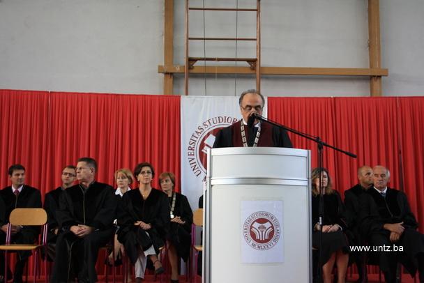 Svečanom akademijom započela nova akademska godina; untz.ba