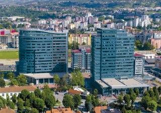 """Banja Luka: Ako se ne izgradi novi paviljon, studenti najavili """"preseljenje"""" u zgradu Vlade"""
